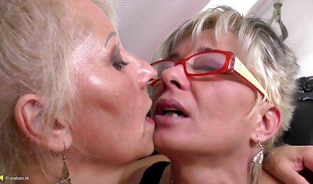 Lusty Chienne sex vieux femme gère Son Clitoris Douche